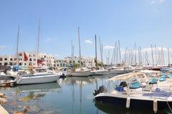 Yachtparkering i port El Kantaoui, Tunisien royaltyfri fotografi