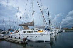 Yachtport i kolonet Panama Arkivbilder