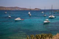 Yachts à l'ancre image stock