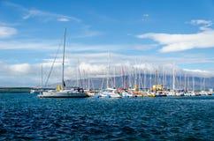 Yachts à Reykjavik, île photos stock