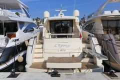 Yachts ancrés dans le port Pierre Canto à Cannes Photographie stock libre de droits