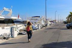 Yachts ancrés dans le port Pierre Canto à Cannes Images libres de droits