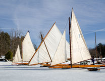 Yachts antiques de glace sur Hudson River Photo stock