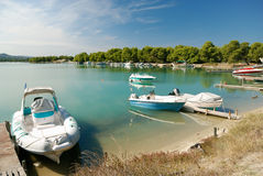 Yachts and boats in harbor Royalty Free Stock Photos