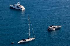Yachts chez Capri Image libre de droits