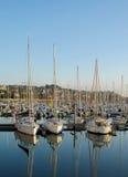 Yachts dans la baie de Perros Guirec Photographie stock libre de droits