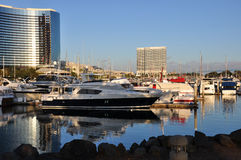 Yachts dans le port photographie stock libre de droits