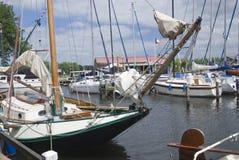 Yachts dans Spakenburg images libres de droits