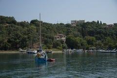 Yachts dans un compartiment Image stock