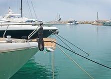 Yachts de luxe dans la marina de portails de Puerto Photos stock