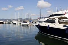 Yachts de luxe superbes modernes Image stock