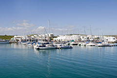 Yachts de Mykonos de club Images libres de droits