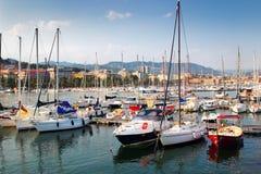 Yachts et bateaux blancs Photographie stock