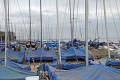 Yachts et mâts photos stock