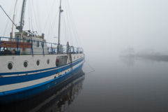 Yachts in the fog Royalty Free Stock Photography
