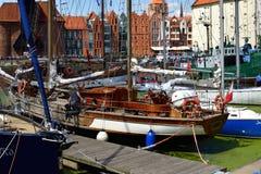 Yachts luxueux à Marina-Danzig/Pologne en août 2018 images libres de droits