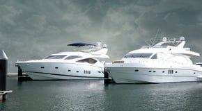 yachts massifs Photos stock