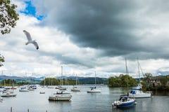 Yachts sur le lac Windermere Images libres de droits