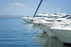 Yachts sur le moorage Photo libre de droits