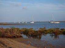 Yachts sur Ria Formosa Portugal Photographie stock libre de droits