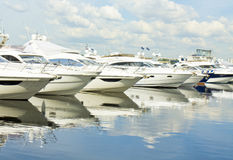Yachts on water Royalty Free Stock Photos