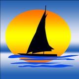 Yachtschattenbild auf Sonnenaufganghintergrund Lizenzfreie Stockfotografie