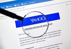 Yahoo a mis à jour l'avis de l'infraction nouvellement découverte de données Photos stock
