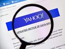Yahoo a mis à jour l'avis de l'infraction nouvellement découverte de données Photo stock