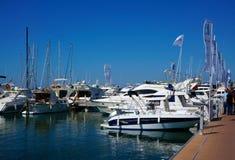 Yahts och fartyg i port Cambrils, Spanien Royaltyfri Fotografi