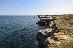 Yailata placeras 2 km söder av Kamen Briag och 18 km nordost av Kavarna Arkivfoton