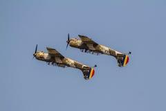 Yak 52 akrobatische Manöver Stockfoto