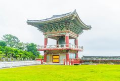 Yakcheonsa-Tempel in Jeju-Insel, Südkorea lizenzfreies stockfoto