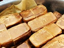 Yakhnuna frottait la nourriture yéménite juive classique Habituellement servi au petit déjeuner ou au déjeuner samedi photographie stock libre de droits