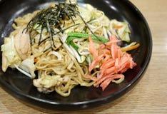 Yakisoba, tagliatella giapponese fritta Immagini Stock Libere da Diritti