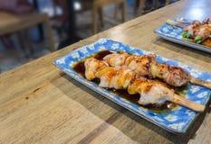 YAKITORI ψημένο στη σχάρα ξυλάνθρακας bbq κοτόπουλου Στοκ εικόνα με δικαίωμα ελεύθερης χρήσης