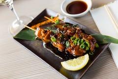 Yakitori del plato de Japanise Fotos de archivo