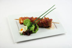 Yakitori met bacon Royalty-vrije Stock Foto