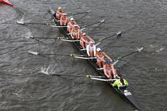 Yale University-rassen in het Hoofd van het Kampioenschap Eights van Charles Regatta Women stock afbeelding