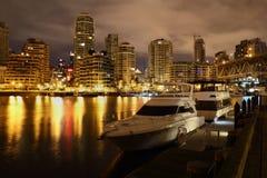 格兰维尔海岛,夜游艇,温哥华 免版税库存图片
