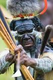 Yali Mabel, Leiter des Dani Stammes, Papua, Indonesien lizenzfreie stockfotos