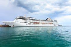 YALTA UKRAINA, KWIECIEŃ, - 21: MSC Lirica statek wycieczkowy Zdjęcia Stock