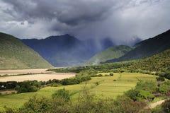 yaluzangbu Тибета ландшафта каньона Стоковое фото RF