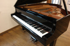 Yamaha-overleg grote piano Stock Foto