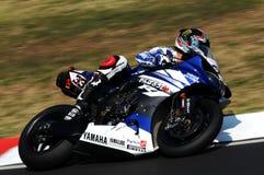 Yamaha YZF R1 da equipe do Superbike do mundo de Yamaha, conduzido por Marco Melandri na ação durante a prática do Superbike em I Fotos de Stock