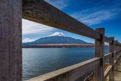 Yamanakameer met Fuji-Berg in Japan stock afbeelding