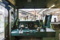 Yamanashi, Japan - September 30, 2016: Cockpit van Fujikyu-forenzentrein bij Otsuki-Post Stock Afbeelding