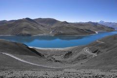 Yamdrok湖在西藏 库存图片