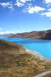 湖yamdrok 图库摄影