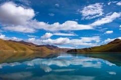 Yamdrok Lake: Travelling in Tibet Stock Photo