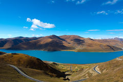 Yamdrok Lake: Travelling in Tibet Royalty Free Stock Images